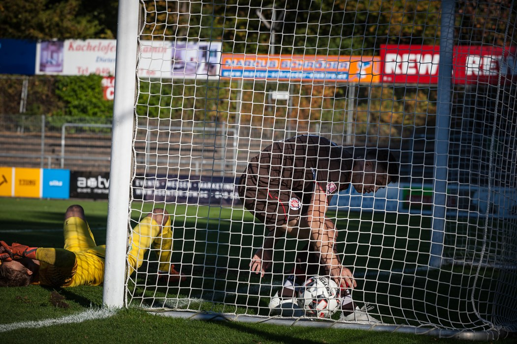 Beim 1:3 im Hinspiel gegen den VfL Wolfsburg II gelang Dario Kovacic der Anschlusstreffer. Am Freitagabend (26.4.) soll Zählbares im AOK-Stadion drin sein.